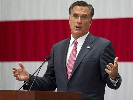 Huckabee: It's too bad we can't impeach Mitt Romney
